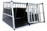 Po vyjmutí přepážky lze použít celý prostor klece